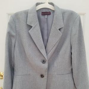 Beautiful, comfortable light gray blazer